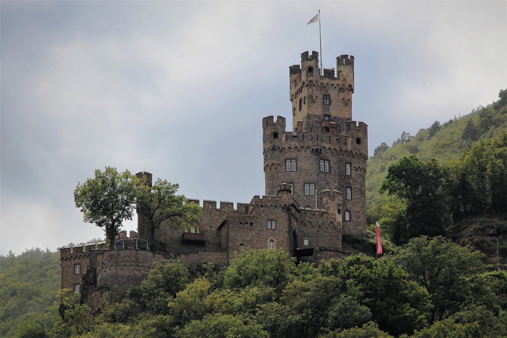 Burg_rhoen